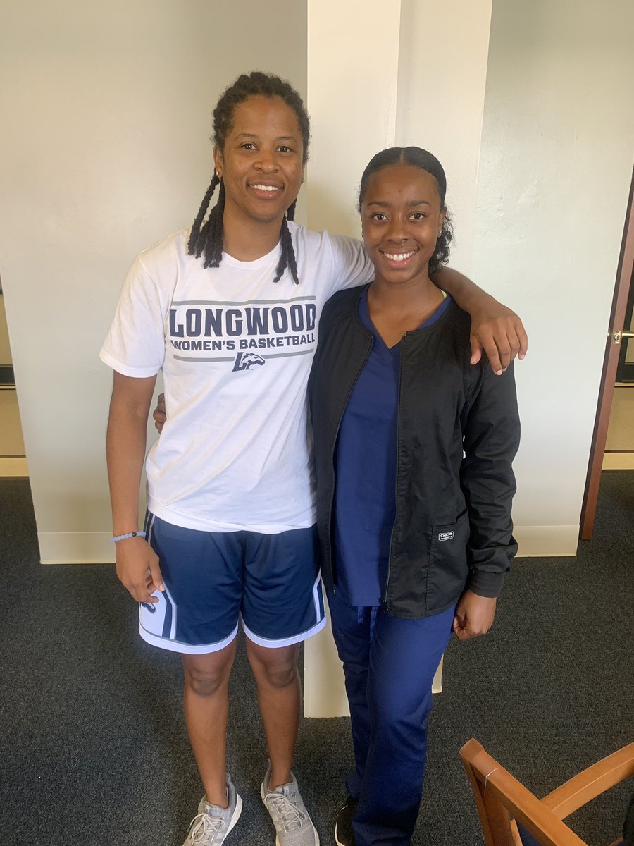 Longwood's 100% internship participation is special! Join our program and chase your biggest dream! Future dentist, Dr. Jada @jada_russel stopped by the office today to meet with her position coach @_kaliajohnson! #BuildWithUs <br>http://pic.twitter.com/stwBWWolao
