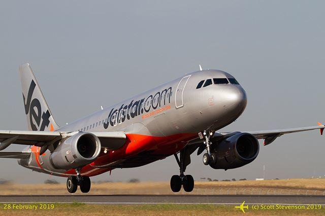 [Avalon Airshow 2019] #JetstarAustralia A320-232 VH-VFF leaves #avalonairport on a regularly-scheduled flight. #avgeek #PlaneSpotter #aviation #WeMakeItFly #a320 #vhvff #instagramaviation #avalon2019 #avalonairshow2019 #airshow