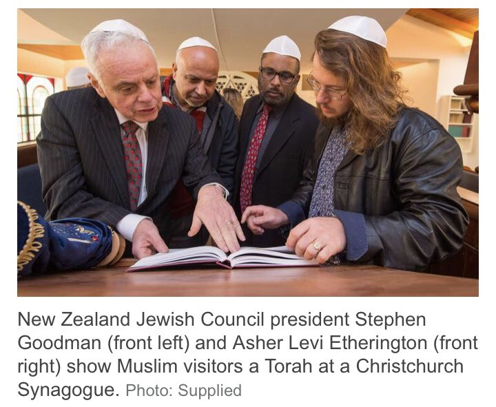 Last October, Muslims raised over $200,000 for the Tree of Life shooting victims in Pittsburgh. Today, Jewish leaders return the gesture with $1m to Christchurch mosque. Moments of #interfaith solidarity like this must be amplified to give ppl hope.   https://www. rnz.co.nz/news/national/ 394614/jewish-leaders-donate-1m-to-mosque-victims  … <br>http://pic.twitter.com/ZJX8BARSoy