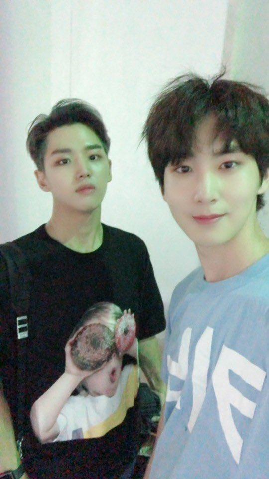 [#신원] With Statue
