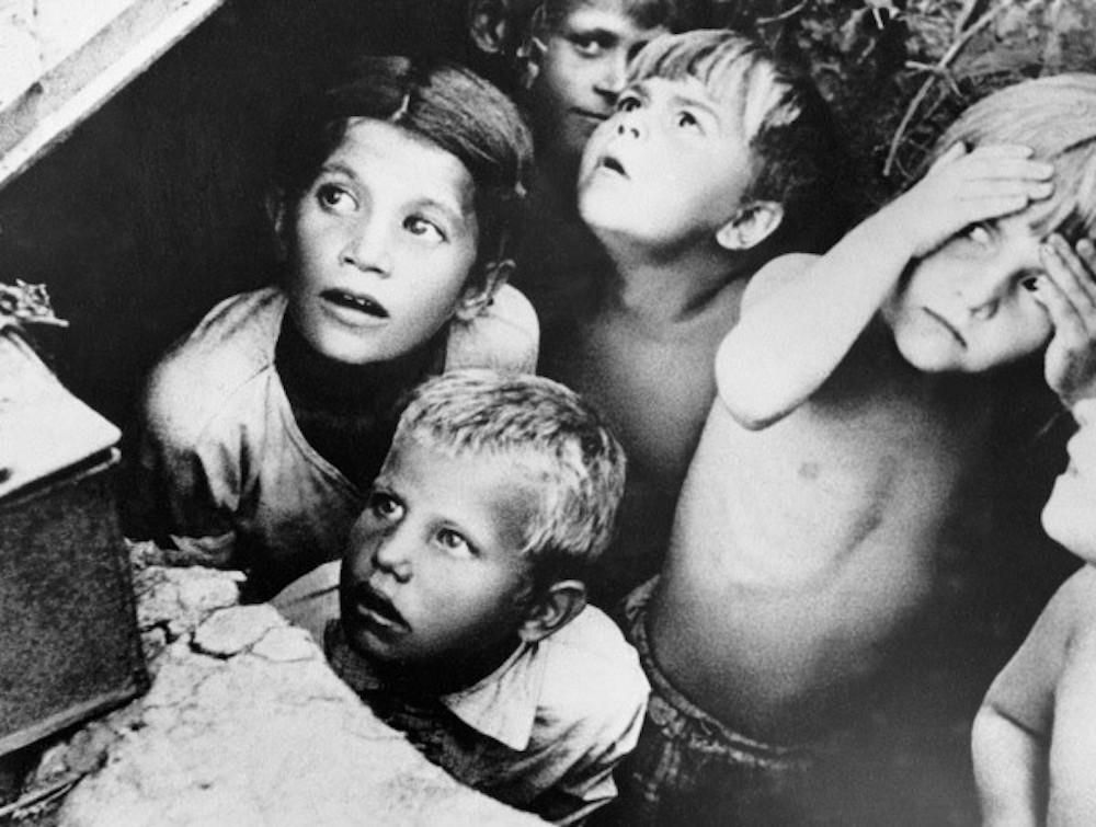 The Soviet Children Who Survived WWII. #LastWitnesses, #SvetlanaAlexievich's 1985 collection of memories from #Soviets who were #children during WorldWarII, has just been translated into English by Richard Pevear and Larissa Volokhonsky. theparisreview.org/blog/2019/07/1…