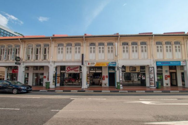 A rare opportunity - row of 6 freehold #shophouses along Joo Chiat #heritage zone available for sale: https://www.straitstimes.com/business/property/row-of-six-joo-chiat-shophouses-up-for-sale… @cbrecapitalmkts @STcom #investment #HNWI
