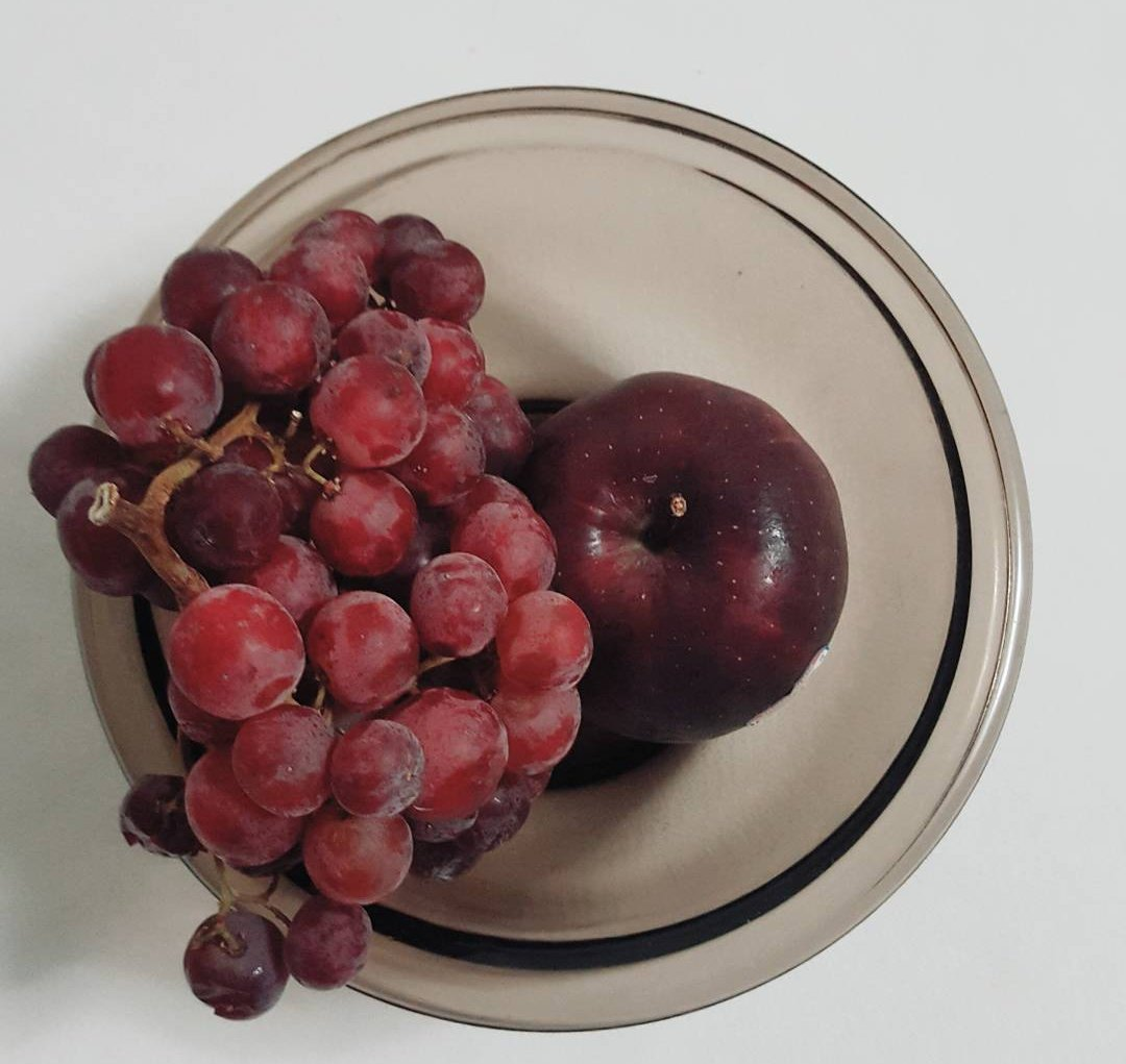Enjoy a little nature's candy....eat some fruit to combat that sweet craving! #eatclean #eathealthy<br>http://pic.twitter.com/1tm465Br3h