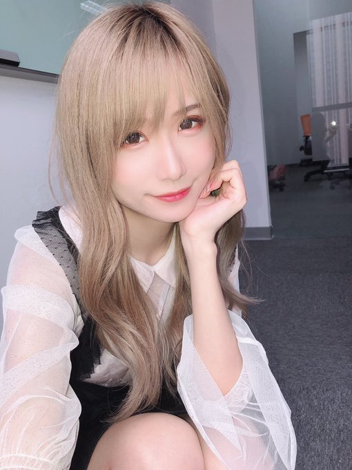 コスプレイヤー莉酱LusiaのTwitter自撮りエロ画像54