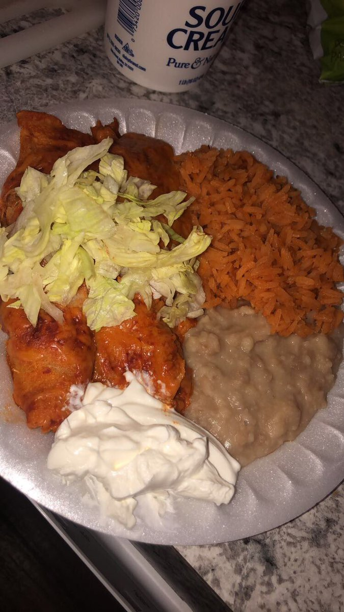 Hands down, the best red enchiladas I've ever had. Thanks baby @Lil_Michellexo 🥰🥰🥰♥️ #cravings #mywifeforlife #iloveyou #bestfriend 💜💕