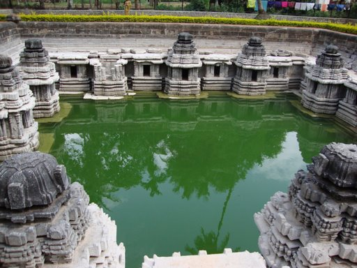Of temples, history, coffee and more...been to these?  #aarootales #karnataka #heritage #roadtrip  http://travellerspeaks.blogspot.com/2009/08/hoysala-trail-coffee-trail-bird.html?m=1…