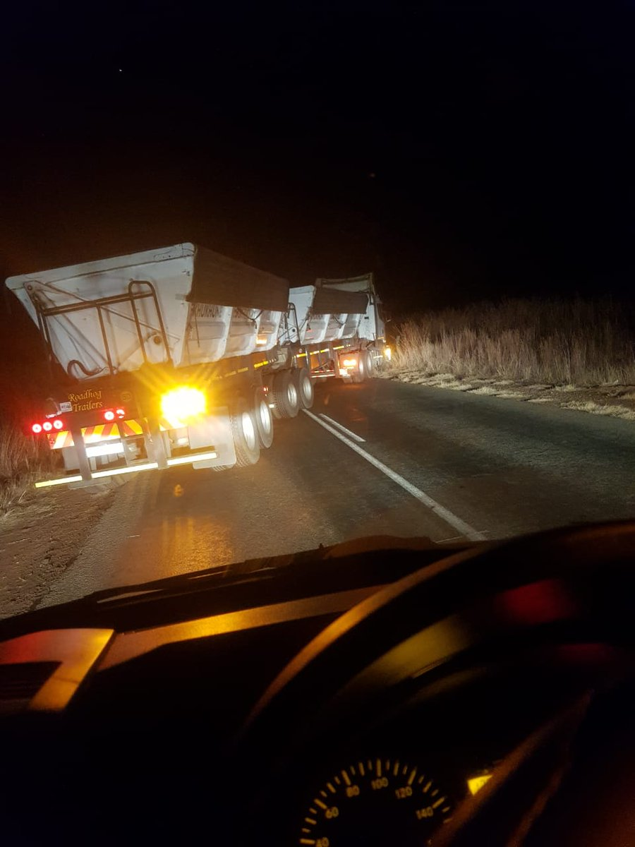 18/7/2019 @ 02h50 R555 Between Middelburg and Stofberg 2 x #Trucks pulled across road. Cables stolen. @_T_A_S_A @SALTruckers