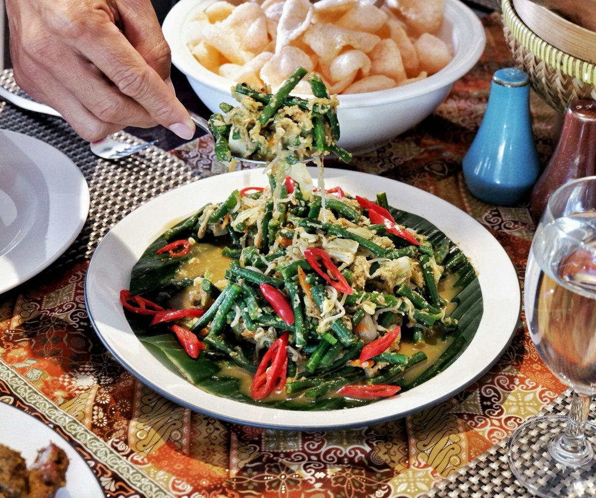 One of our set lunch menu. Serving you the best quality of healthy and natural menu.  #bhotelbaliandspa#bhotel#baliindonesia#balifoodies#balifood#baligasm#balicili#balifoodguide#foodbali pic.twitter.com/KmTae6rN5r