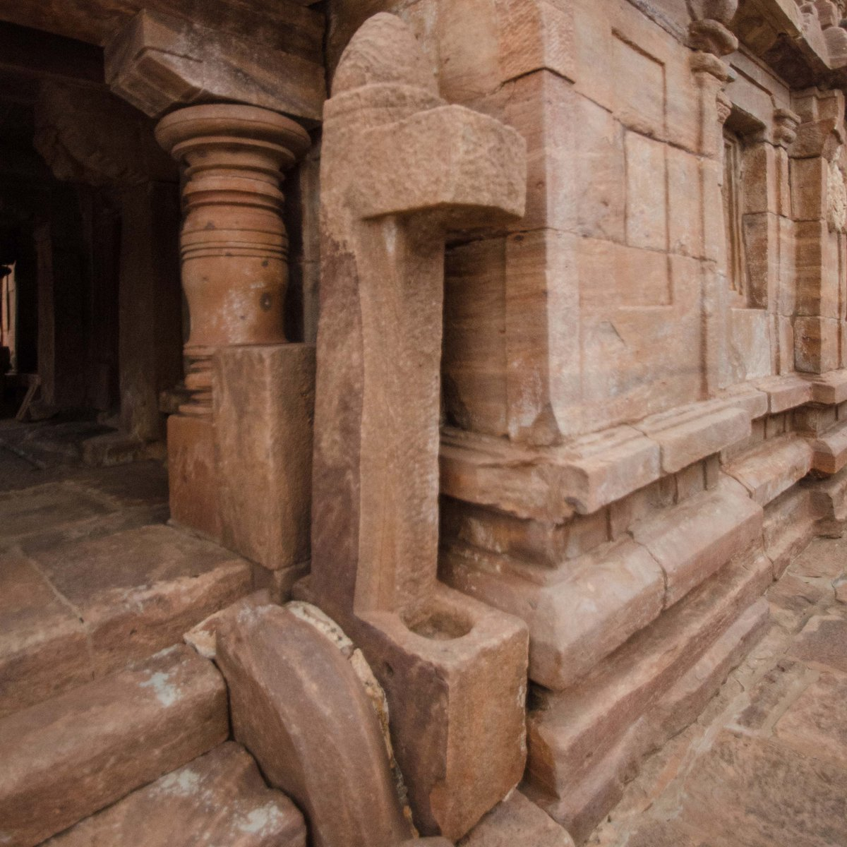 The entrance to this temple shows something important. Can you tell me what it is?  #Ancient #Temple #architecture #India #IncredibleIndia #heritage #History #ThursdayThoughts #Hindu #Hinduism #Archaeology #PraveenMohan