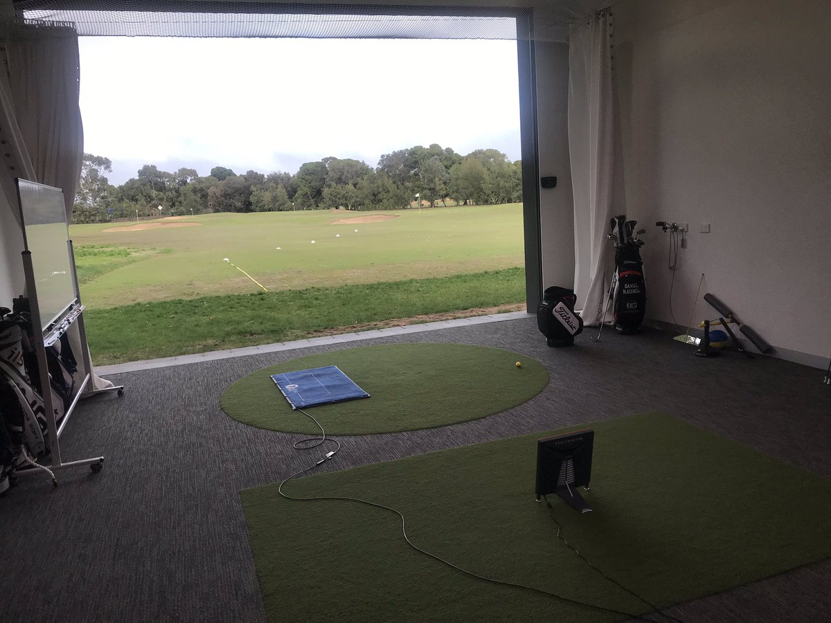 What a unbelievable setup!! Thanks to @Blackwell_Golf  and @CoachSasi Great discussions on use of technology and coaching philosophies. Focusing on the individuals repeatability of technique rather than a one technique fits all was the key takeaway for me. <br>http://pic.twitter.com/i7w4xBALW9 – à Kooyonga Golf Club