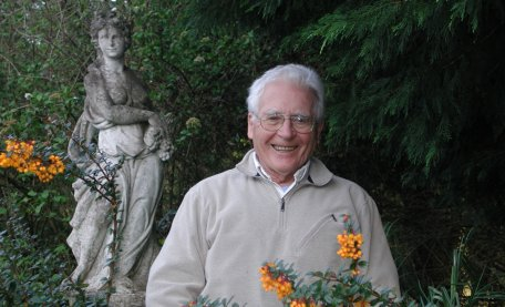 Climate protests by young people made headlines – but could theories of a 100-year-old hold the key to protecting our planet? James Lovelock, creator of Gaia Hypothesis will visit for a  @GSI_Exeter conference http://ow.ly/ndY150v4Eh6 #Lovelock100 #ClimateChange #ClimateEmergency