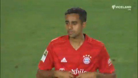 Every single time 🇳🇿 Sarpreet Singh touched the ball on his debut for 🇩🇪Bayern Munich against 🏴 Arsenal!