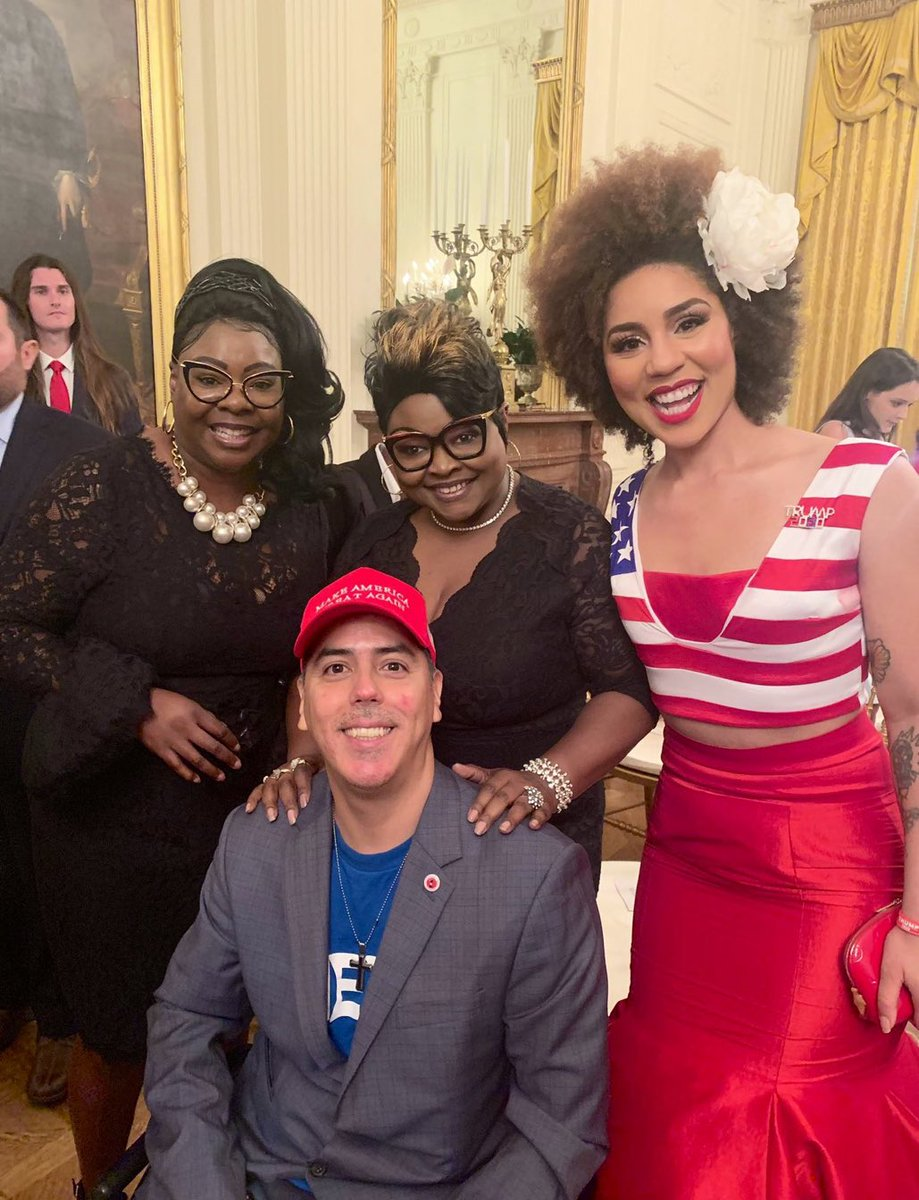 We are NOT going to be bullied by leftists. We love our country, our flag and our constitution and we stand with @realDonaldTrump! @DiamondandSilk #IStandWithPresTrump keep it trending! 🇺🇸🇺🇸🇺🇸