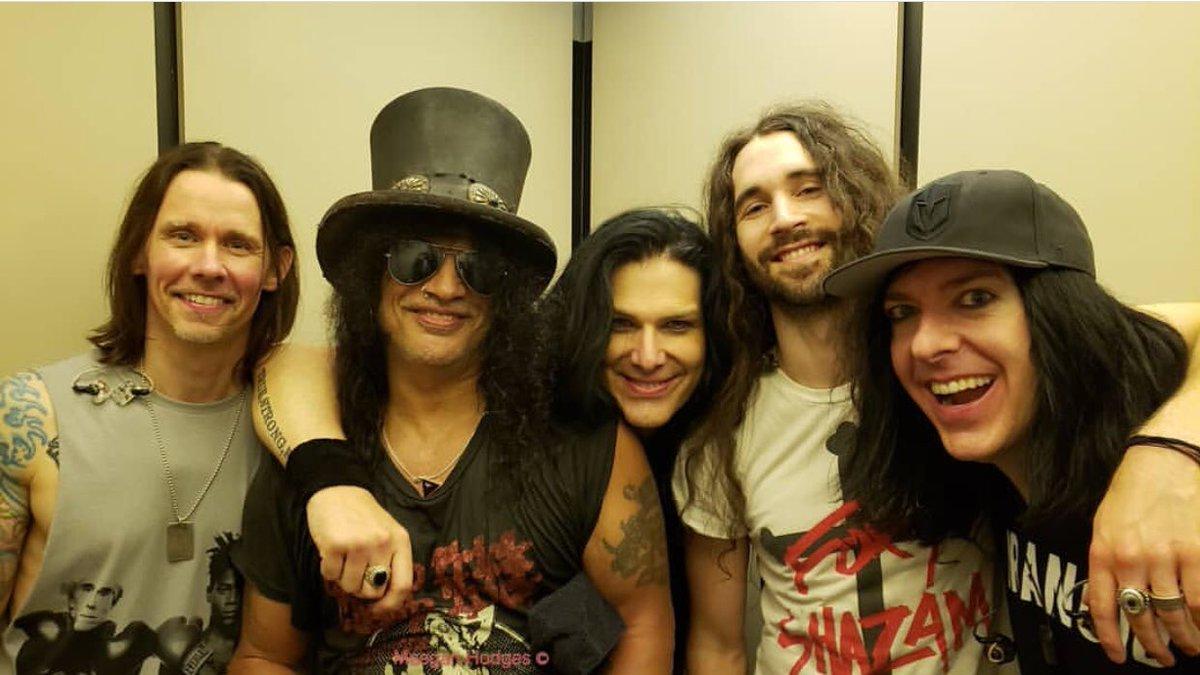 The Rock N Roll band after the show ! . 📸 : Meegan IG  . #slash #guitar #smkc #gunsnroses #myleskennedy #slashlive #gibson #livingthedream #tour #tourlife  @Slash