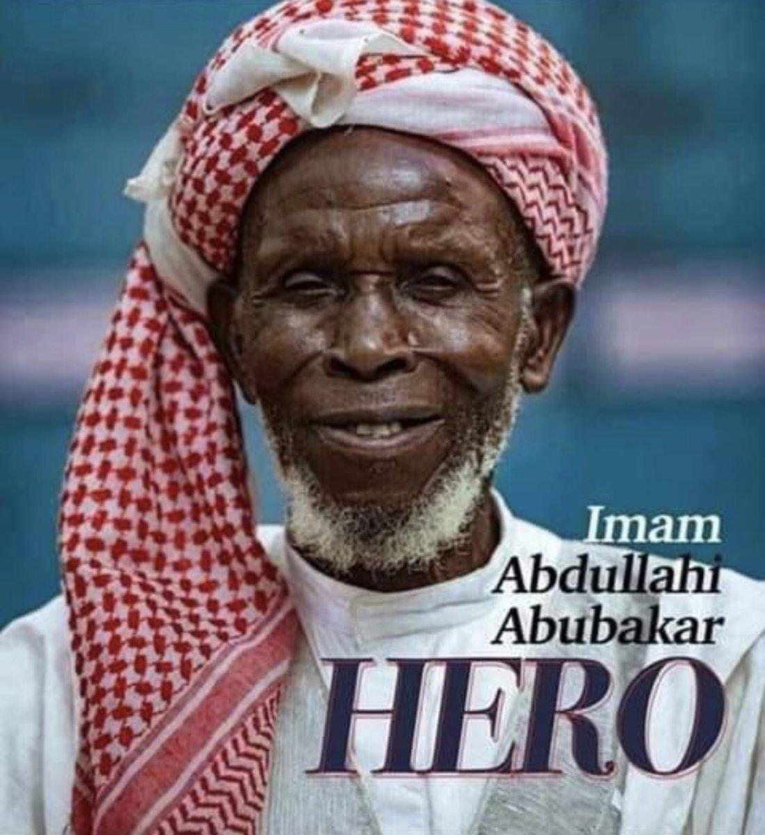 Nigéria: un imam récompensé pour avoir sauvé 262 chrétiens D_vkHt9W4AAHUNk