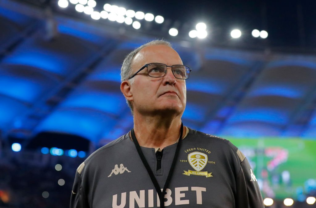 Four sessions a day and watching training from a plane. Leeds are continuing things the Bielsa way. 👉 bbc.in/2YXHD1R #LUFC