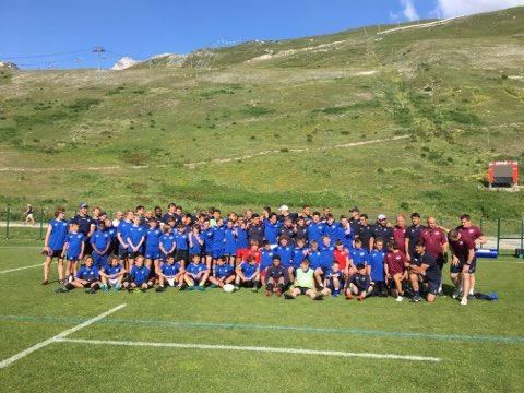 Merci @MHR_officiel . La @PSAAcademies remercie les avants et le staff de Montpellier rugby 🏉 15 pour cette photo commune . #rugbypassion #psaacademies2019 #transmission #tignes #rugbycamp