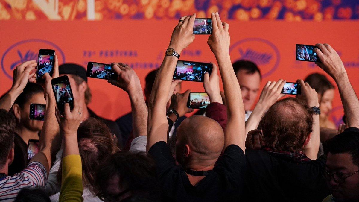 test Twitter Media - 'Verkoop mobiele telefoons daalt dit jaar opnieuw': Steeds meer consumenten hebben een smartphone en we doen steeds langer met onze mobiele telefoons. Vandaar dat dit jaar een bijzonder slecht jaar wordt voor de telefoonverkoop. Dit jaar worden er 3,8… https://t.co/uyeclDZVm6 https://t.co/7z9w9SYHh5