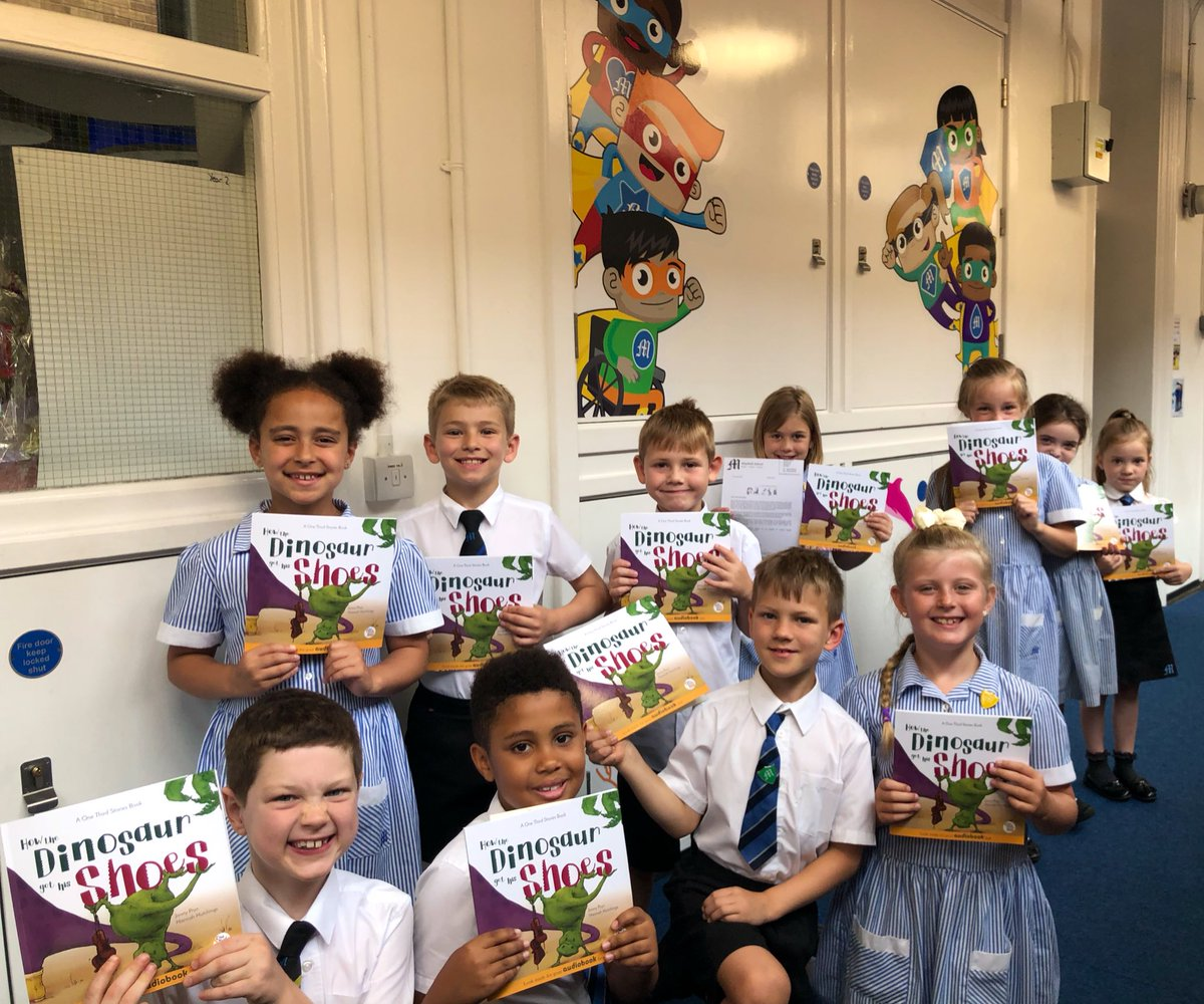 Our Year 2 pupils @mayfieldschool were excited to receive their own copy of 'How the dinosaur got his shoes' which has been a kind giveaway from @OneThirdStories. A big 'gracias' #onethirdstories #LanguageLearning https://t.co/OPVEhVvO2F