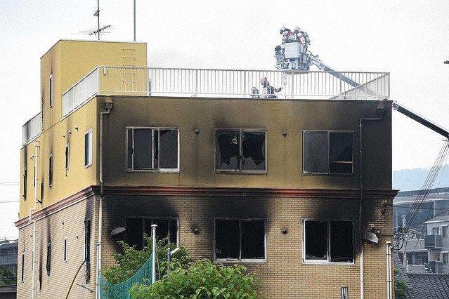 【京アニ火災】死者25人、平成以降最悪に京都府警によると、新たに9人の死亡が確認され、死者は計25人となった。警察庁によると、放火事件の犠牲者数としては平成以降最悪だという。