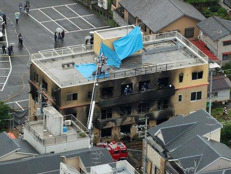 【京アニ火災、死者25人に 殺害予告メールも】京都市伏見区にあるアニメ制作会社「京都アニメーション」スタジオの爆発火災で、新たに24人の死亡が確認され、死者は計25人に。消防などによると、他に心肺停止状態の人もいるということです。詳しくはこちら⇒