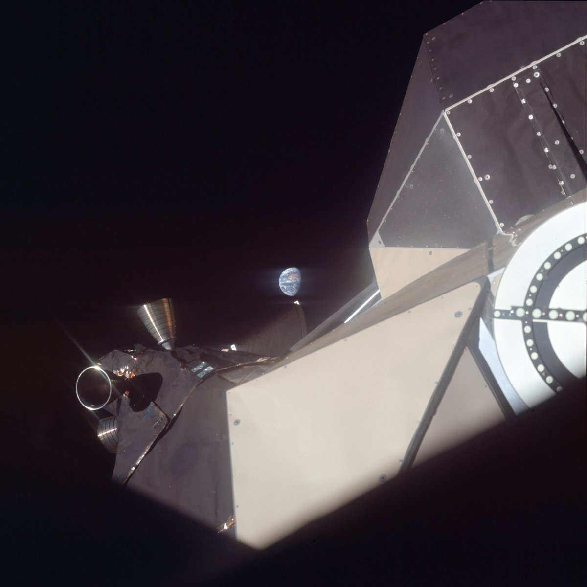 It's #Apollo50 week, time to post some images. This is an image of Earth and the lunar module during the trans-lunar journey. #Apollo11