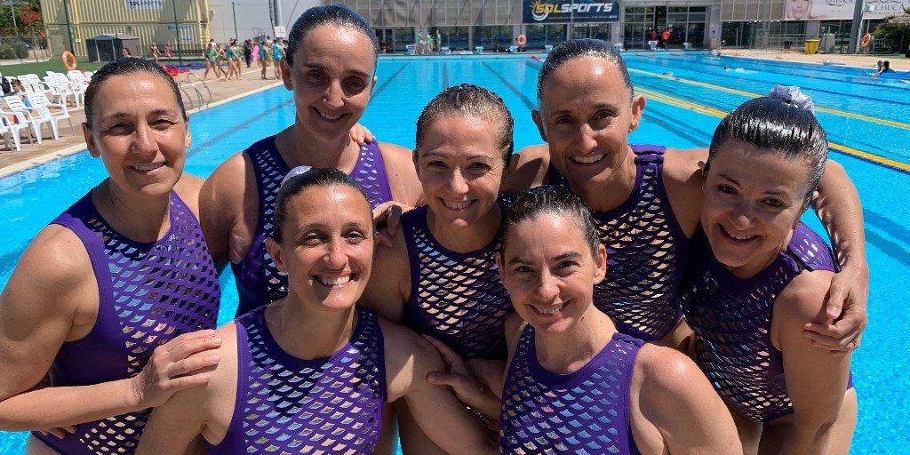 💦 Aquest juliol, els adults també estan gaudint de la #natacioartistica. Gràcies a la col·laboració amb el @cnkallipolis, el #CNMontjuïc ofereix la possibilitat de descobrir aquest esport i aprendre una coreografia aquàtica #montjuïc #barcelona #esport #sincronitzada https://t.co/dgMnxR3R9J