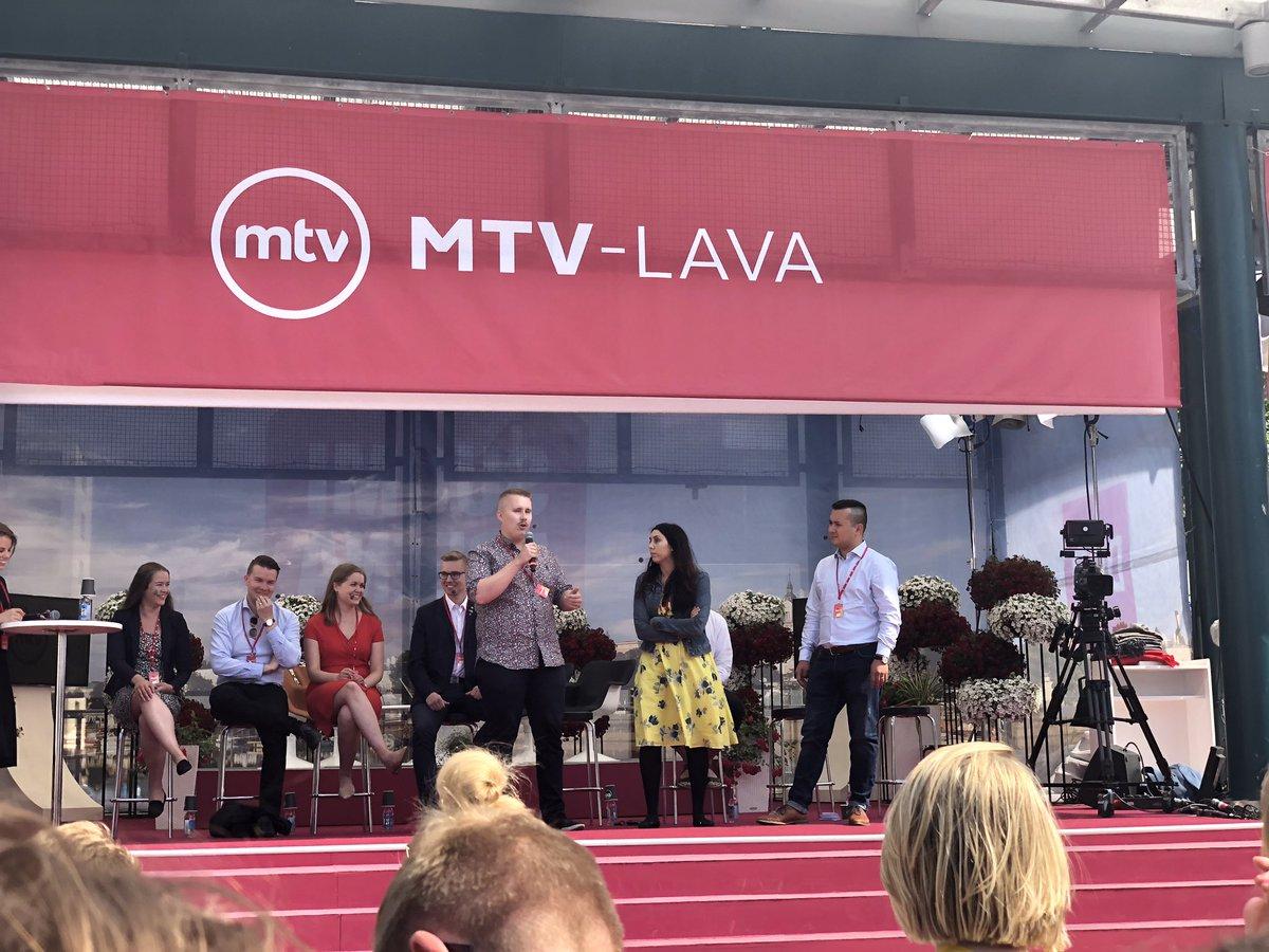 test Twitter Media - Puheenjohtaja @AleksiSarasmaa keskustelemassa muiden poliittisten nuorisojärjestöjen puheenjohtajien kanssa opiskelijoiden jaksamisesta. #SuomiAreena https://t.co/n3lXsu7RrI