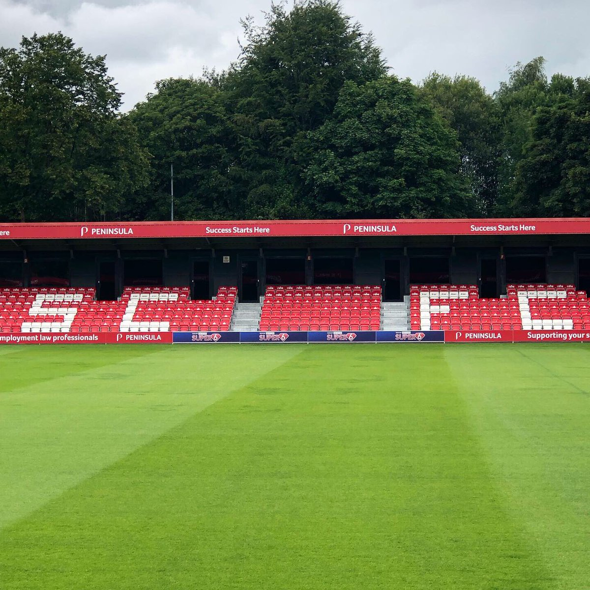 The start of the #football season is fast approaching & we can't wait to get back serving our #craftbeer @salfordcityfc in the @kitbaguk #kbfanzone 🍻 The ground is looking mighty fine guys ! ⚽️ See you on 3rd Aug v  @stevenagefcofficial 🥅 #salford #community #supportlocal https://t.co/y9sgMyY1Rz
