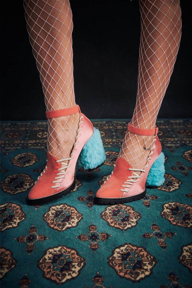 パメオポーズの新シューズ、カラフル「魔女」パンプス&厚底ウエスタンブーツ -