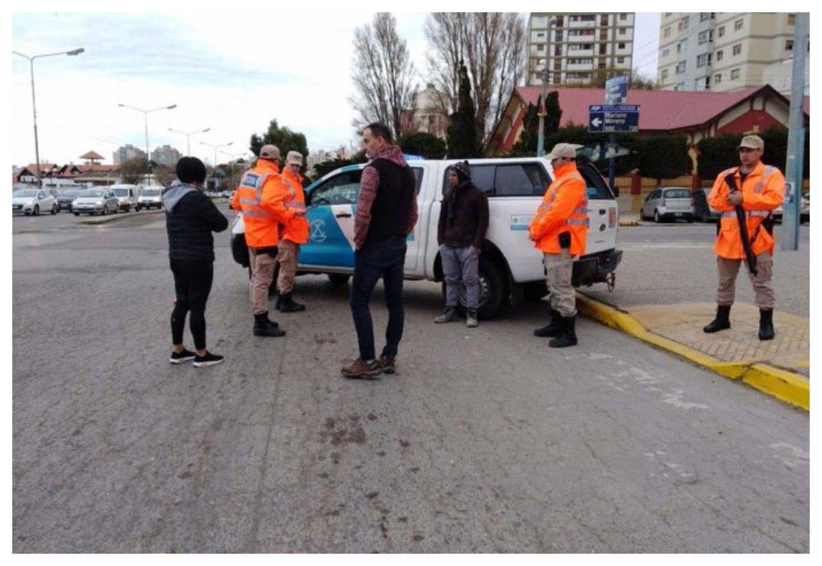 #Policiales  Tenía pedido de captura por causa narco y se paseaba en moto por el centro  https://www.elobservadordelsur.com/tenia-pedido-captura-causa-narco-y-se-paseaba-moto-el-centro-n14478…