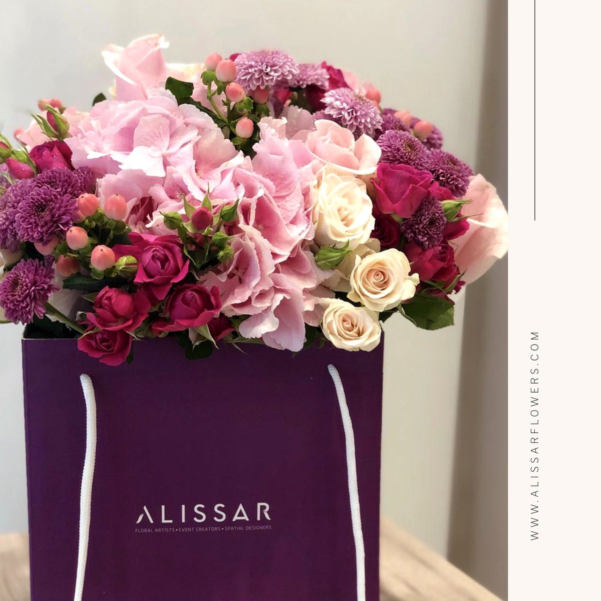 Elegant floral arrangement that will dazzle your loved one's.... order now and we will deliver https://t.co/fPsnG4NSCp https://t.co/38D0Ns0TnD