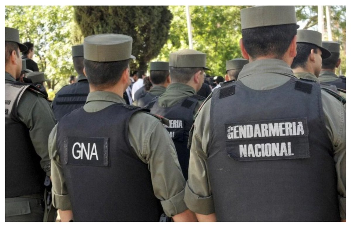 #FuerzasDeSeguridad #Argentina Crean un suplemento salarial para Gendarmería, Prefectura y Policía Federal  https://www.elobservadordelsur.com/crean-un-suplemento-salarial-gendarmeria-prefectura-y-policia-federal-n14481…