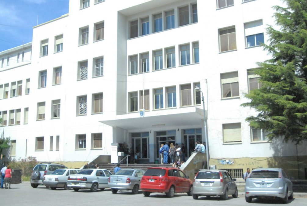 #HospitalRegional Siguen necesitando reposeras para las madres de los niños internados #Comodoro  https://www.elobservadordelsur.com/siguen-necesitando-reposeras-las-madres-los-ninos-internados-n14482…