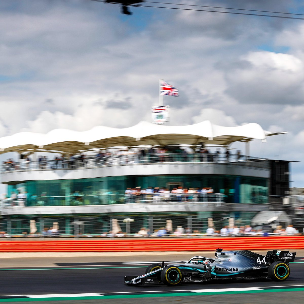 Take us back! ❤️ 🙌 if you're already missing @SilverstoneUK!