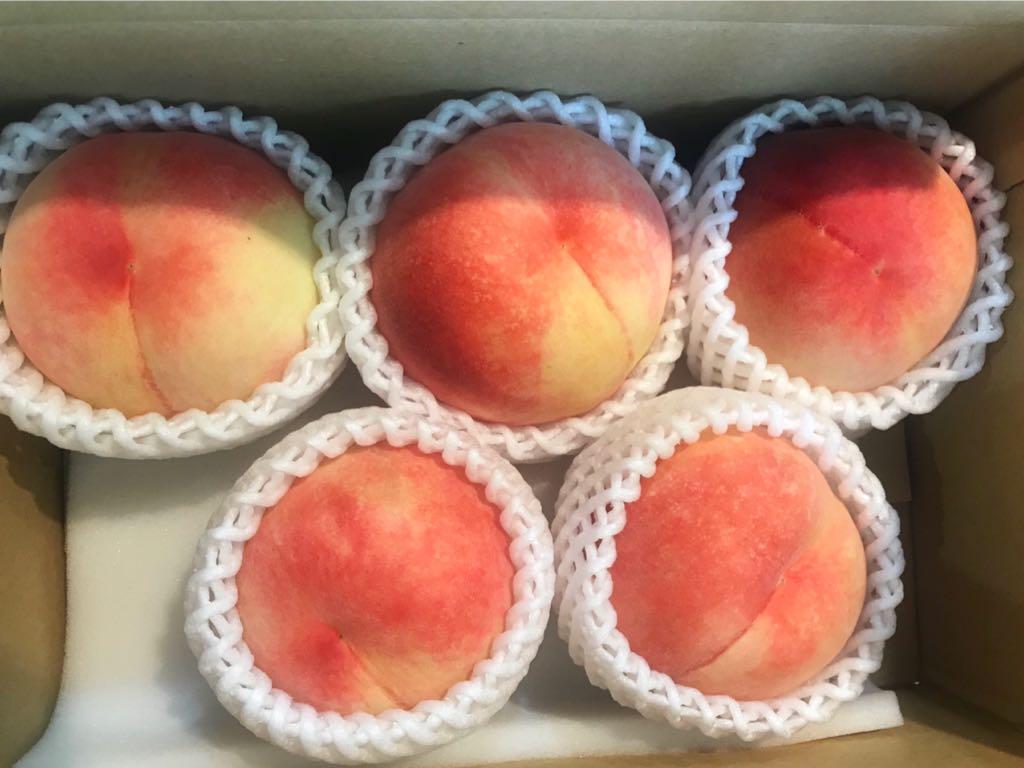 Twitterで得たありがた豆知識:桃はアルミホイルで巻いて冷蔵庫に入れておくとめちゃくちゃ長持ちする