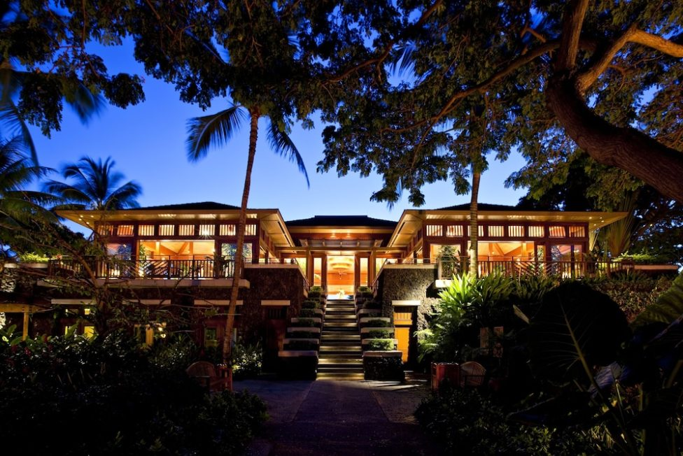 Aloha, e komo mai, welcome to #HawaiiIsland 🌺🌴🥂#FSHualalai