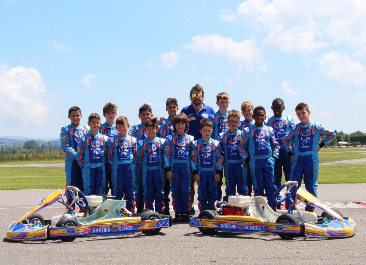 Otro día de entrenos y diversión en el Karting Campus!! Gran progreso de todos nuestros chicos 👏🏻👏🏻👏🏻👏🏻 #karting #kartingcampusfa @CircuitoMuseoFA