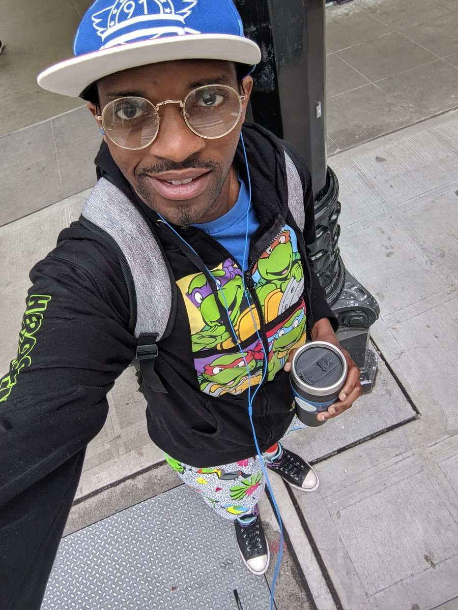 How we doin fam! I'm back on my Twitter game so have me in pre coffee mode! XD  Hope you all are living life today and finding one thing to smile about   #PositiveVibes <br>http://pic.twitter.com/lHATnNe6T6