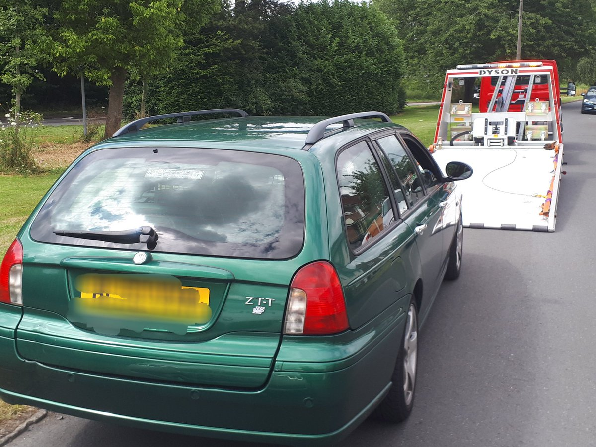 Ketley, Telford, this driver did stop eventually, admitted no insurance & licence - car seized , driver reported #saferoads @DriveInsured  Team B 3438<br>http://pic.twitter.com/VGMxmnL07M
