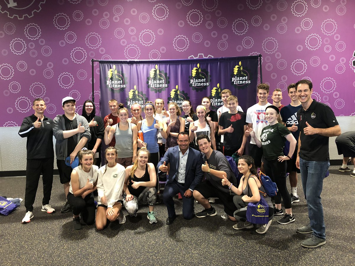 Fun event with @PlanetFitness for the Teen Summer Challenge program. Ages 15-18 get to work out for free all summer till Sept 1st! #TeamPF