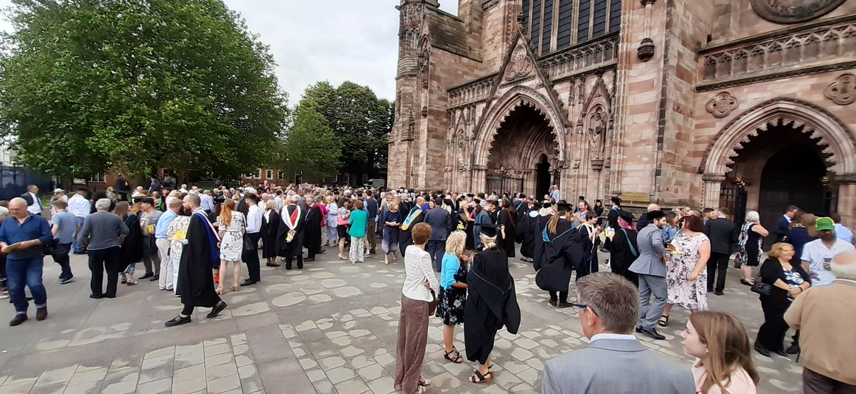 Congratulations to all the new graduates @HerefordArtsCol<br>http://pic.twitter.com/wO5cXJch8s