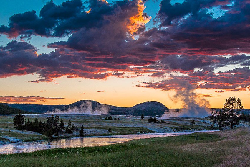 Colorful skies—one of many reasons to love Yellowstone. #MontanaMoment   : IG user sunny_and_shine_photography<br>http://pic.twitter.com/xc04B5KS9g