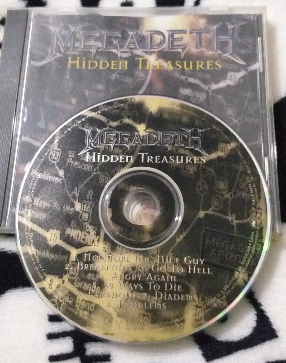 Compré este disco en los 90's y me costó mucho encontrarlo y el precio era considerablemente más alto que el promedio, pero... Era #Megadeth! 🖤 #HiddenTreasures #24años