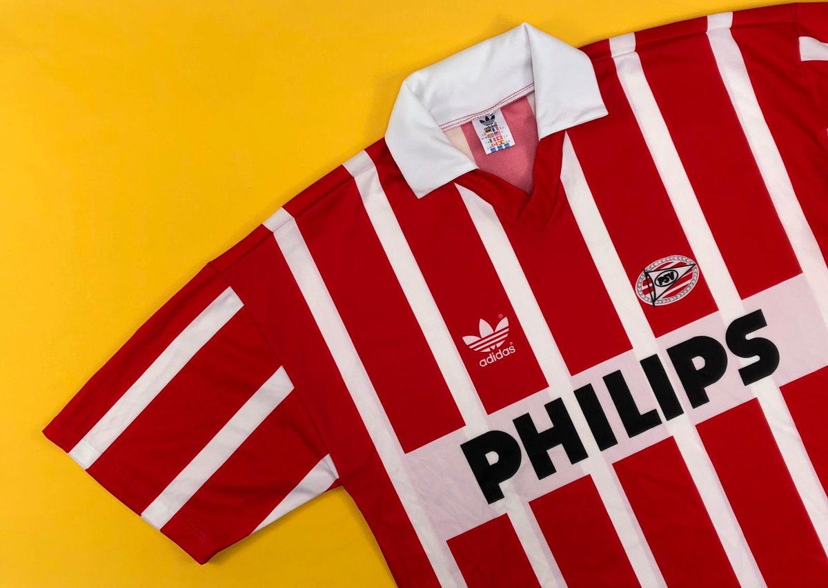 PHILIPS and @PSV and the @adidas trefoil and just fucking look at it. cultkits.com/psv-199092-hom…