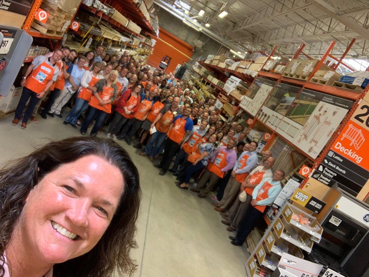 Thank you @wdneece and the D27 Team for a terrific MVP Walk today!! Awesome learning and product innovation. The Mighty Midwest is to ready to #KEEPtheOrangePromise in Electrical.  <br>http://pic.twitter.com/1QFNHjyb5I