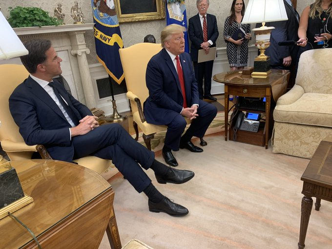 Событие, которое Трамп назвал большим. D_xwWuhXoAA1HSa?format=jpg&name=small