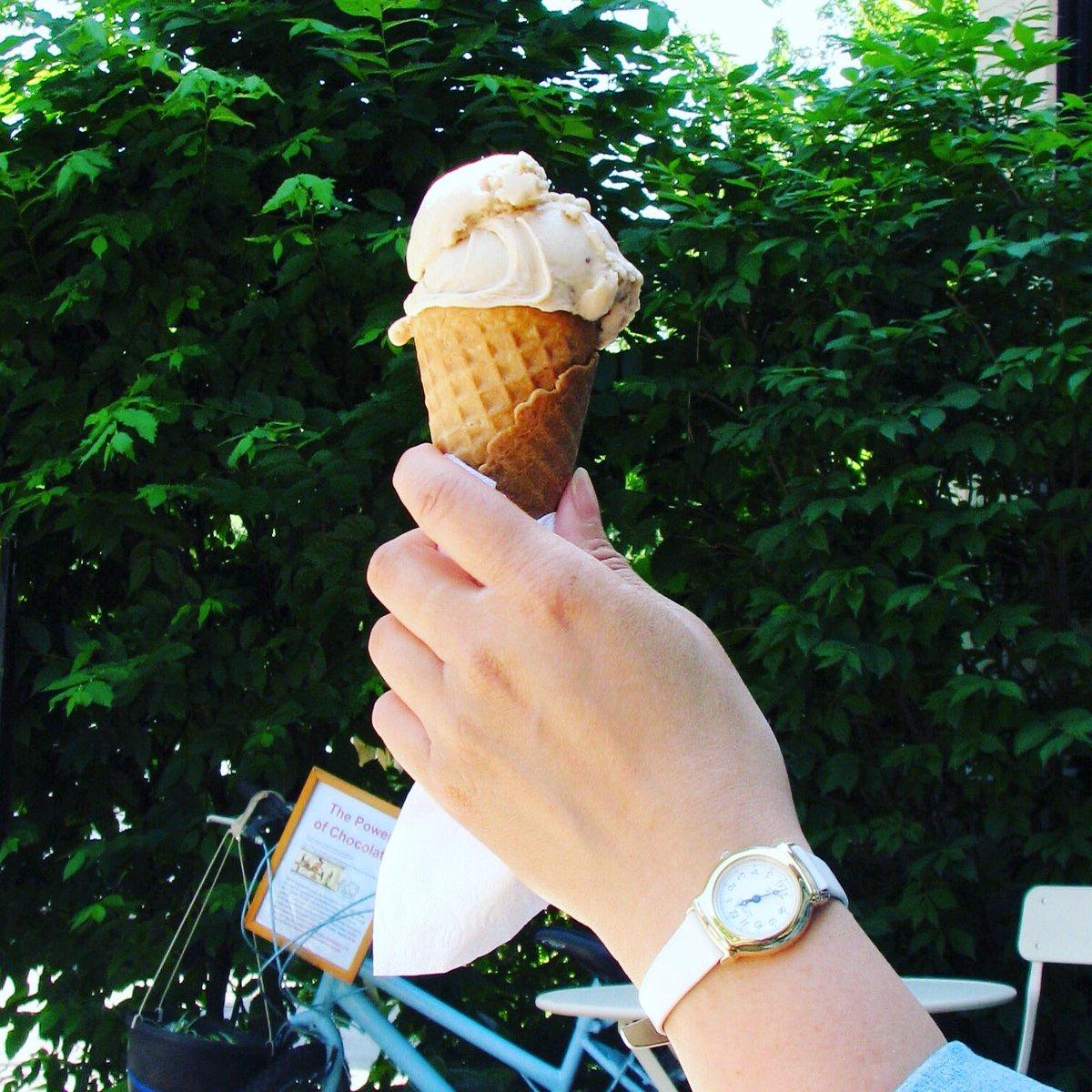 Summer Treat: Free Gelato at Weekends for children under 14 only at Leonidas Culture Chocolat @leonidasculture #leonidasculture #chocolate #mtl #westmount #montreal #gelato #icecream #icedcoffee #chocolaterie