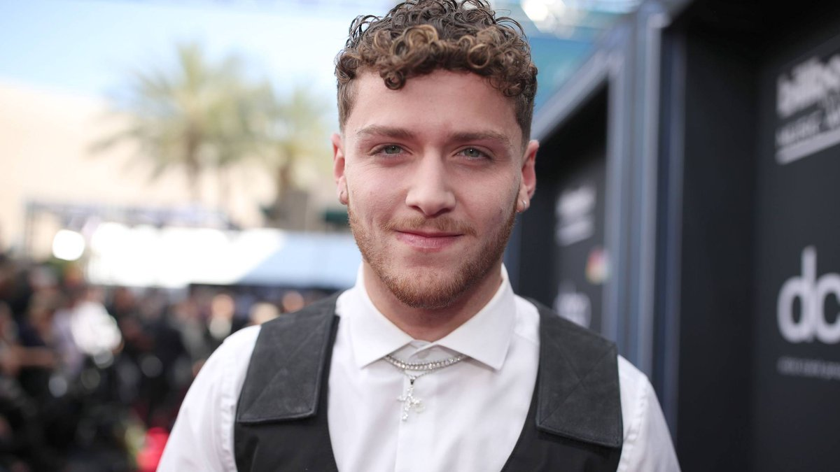 .@Bazzi's new song #iFly is about to be the soundtrack to your summer: https://on.mtv.com/2SnQJm0 ☀️