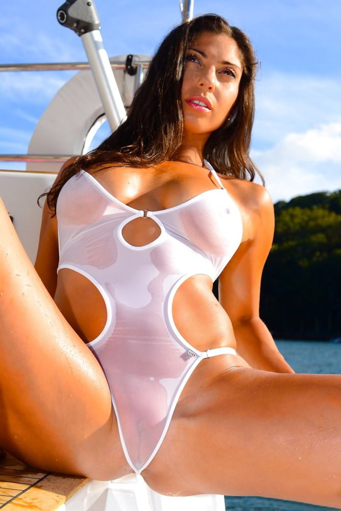 sara-tight-clothes-pink-swimsuit-pussy